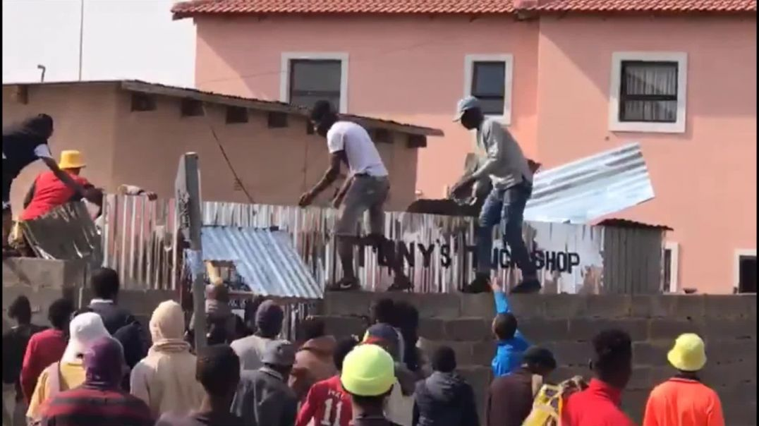 Soweto residents attack foreign shops